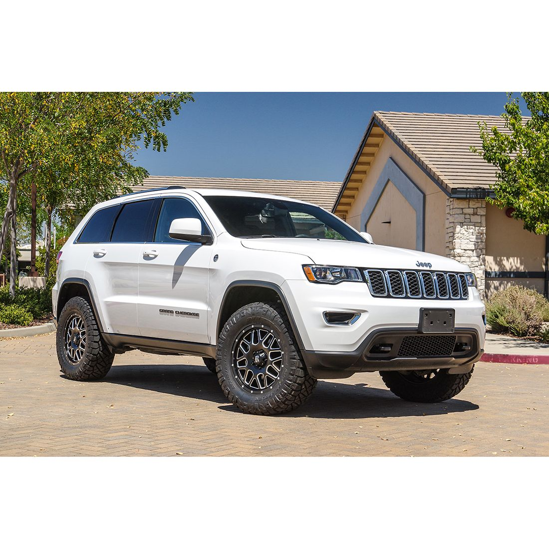 2020 Jeep Grand Cherokee Altitude Lifted